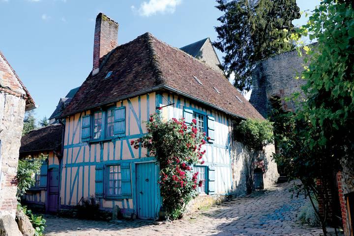 Gerberoy-maison-bleue-paysage-_-A.-GOUVERNEL-LPBVF.jpg