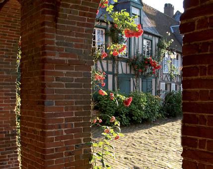 Séjour romantique en Normandie dans Les Plus Beaux Villages de France