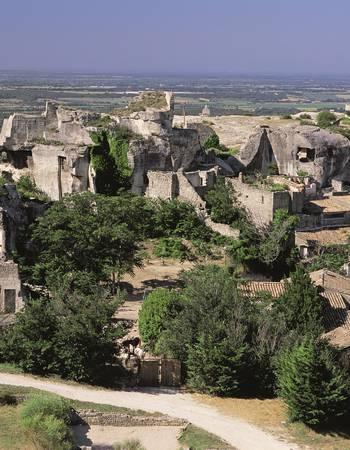 Baux-de-Provence-(Les)-site-château-_-Kazutoshi-Yoshimura.jpg
