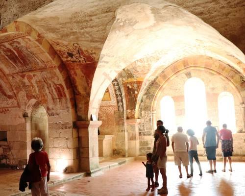 Eglise romane et sa crypte
