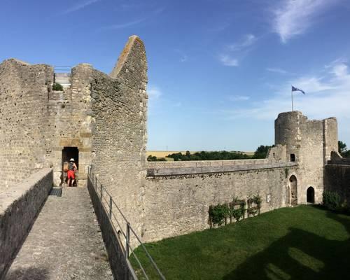 Château fort de Yèvre-le-Châtel