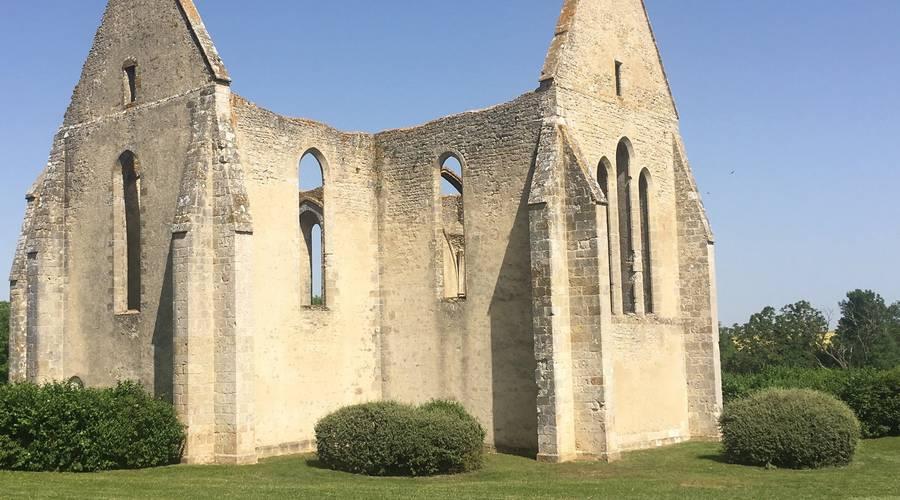 Vestiges de l'Eglise St-Lubin