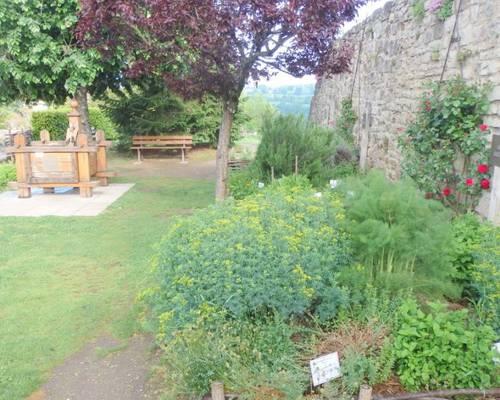 Jardin médiéval des Cinq Sens