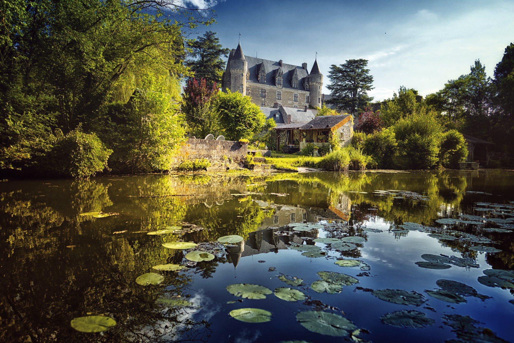 Montresor vue riviere et chateau