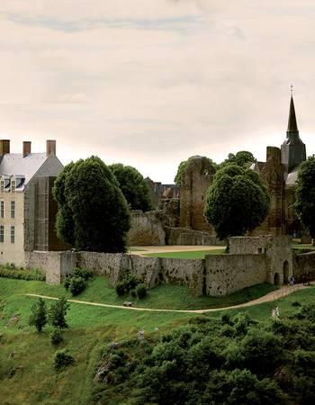Sainte-Suzanne image