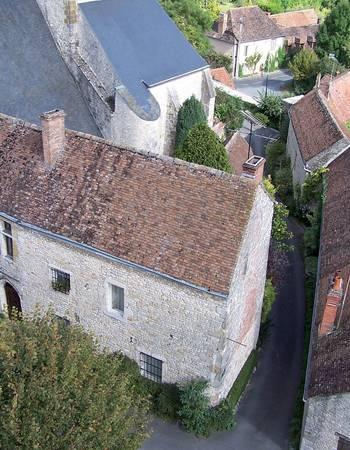 Yèvre-le-Châtel image