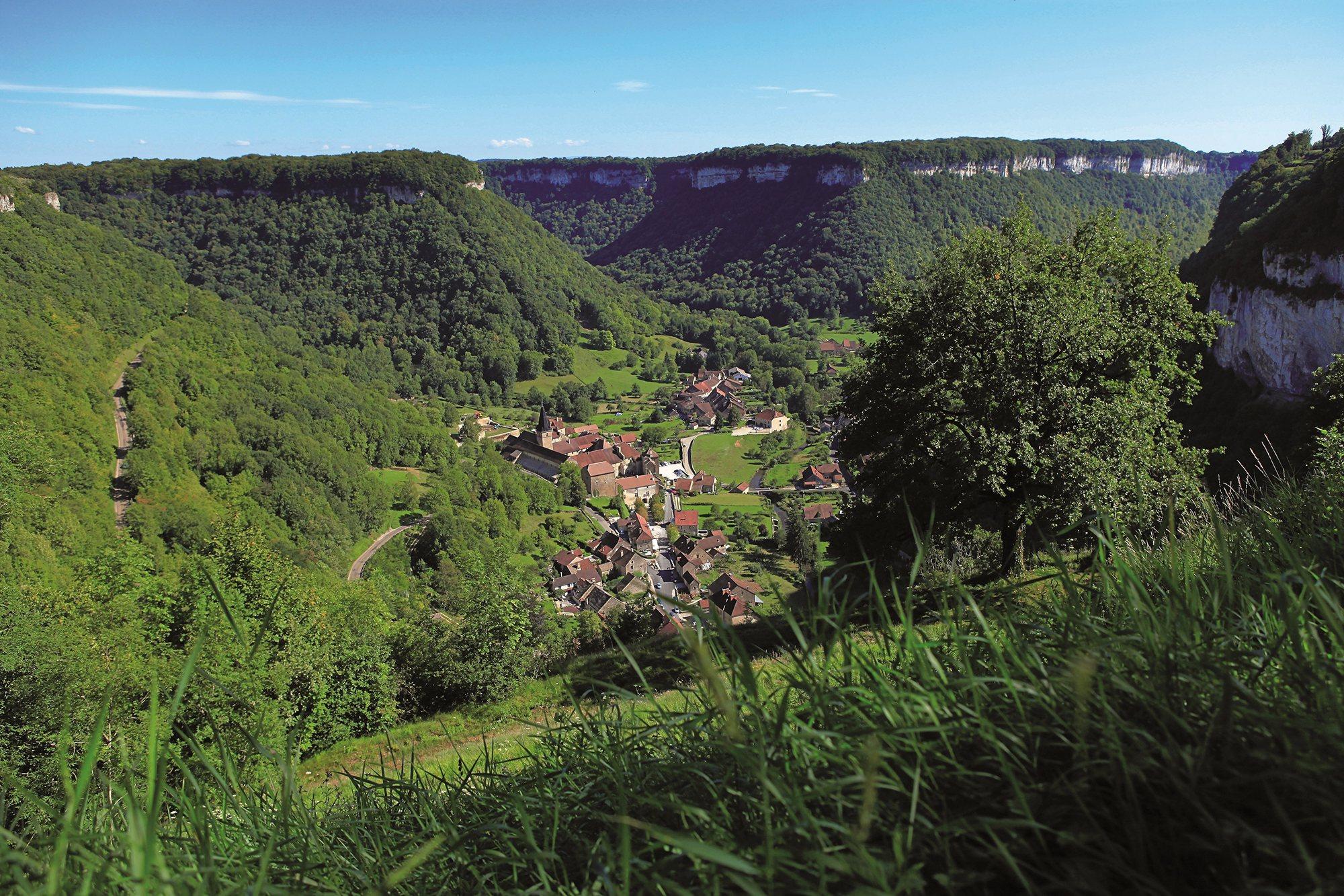 Découvrez Baume-les-Messieurs (Jura), un des Beaux ...