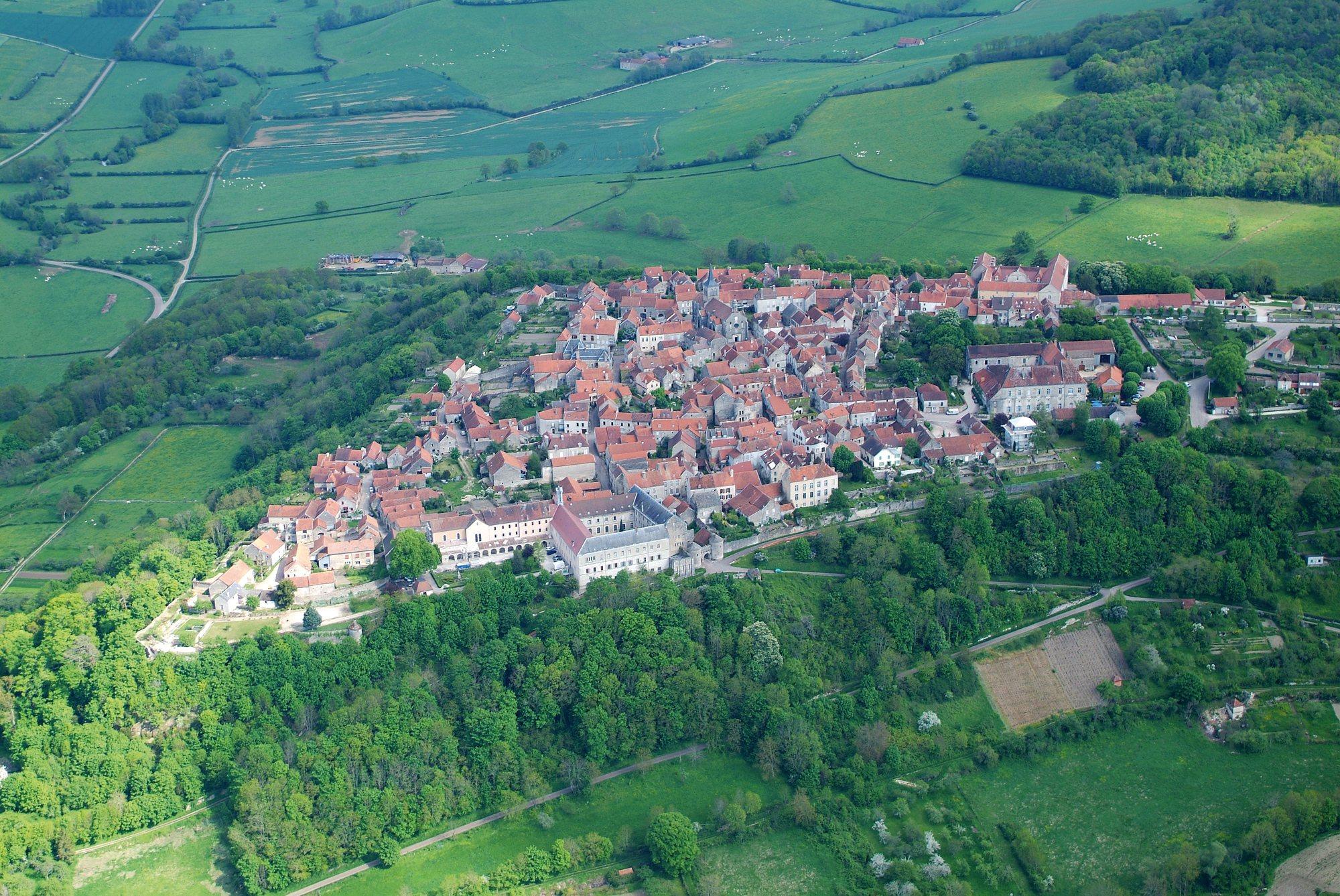 """Résultat de recherche d'images pour """"Flavigny-sur-Ozerain"""""""