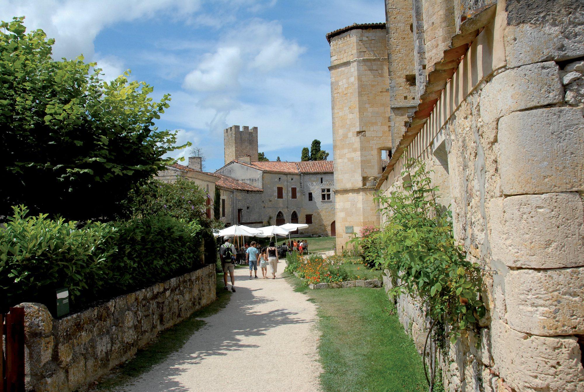 Larressingle | Les plus beaux villages de France