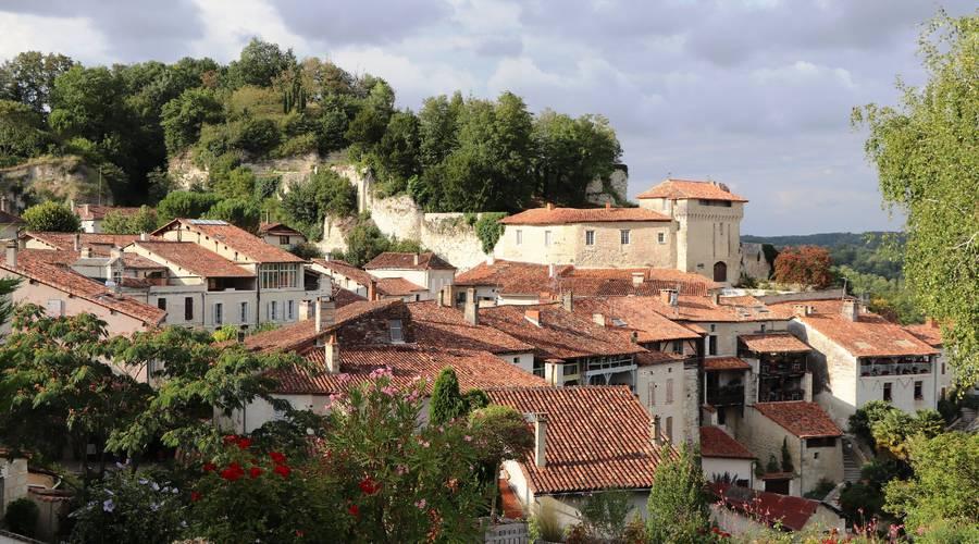 Belvédère sur le village d'Aubeterre