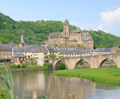Point de vue sur le village d'Estaing